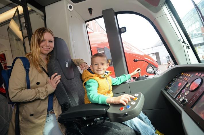 """""""Zukunft zum Anfassen"""" auf dem Eisenbahnfest der InnoTrans"""