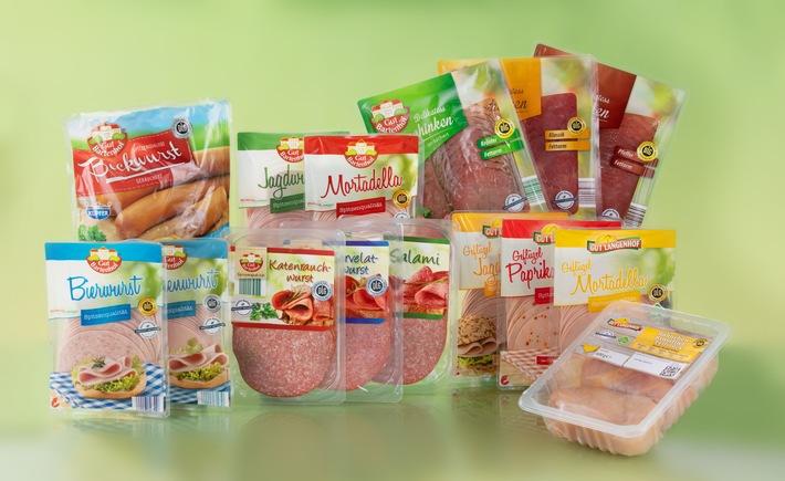 """Weniger ist deutlich mehr: In den bundesweiten NORMA-Discountern gilt das nicht nur für die besonders günstigen Verkaufspreise, sondern auch für das klare Bekenntnis des Unternehmens aus Nürnberg zum aktiven Umweltschutz. So werden in allen Sortimentsbereichen die Plastikmengen erheblich reduziert. Allein bei den Kunststofffolien zum Schutz der verkauften Fleisch- und Wurstwaren spart NORMA jetzt jährlich rund 11 Tonnen Verpackungsmüll ein. Weiterer Text über ots und www.presseportal.de/nr/62097 / Die Verwendung dieses Bildes ist für redaktionelle Zwecke honorarfrei. Veröffentlichung bitte unter Quellenangabe: """"obs/NORMA"""""""