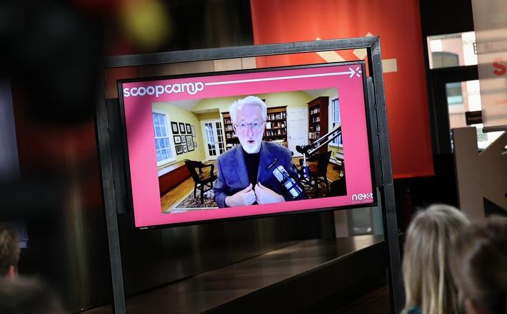 """Scoopcamp 2020: Die Innovationskonferenz für Medien von nextMedia.Hamburg und dpa fand in diesem Jahr erstmals als hybrides Format statt. In Keynotes, Panels und Masterclasses diskutierten die Teilnehmerinnen und Teilnehmer über aktuelle Herausforderungen und Innovationen. Hier im Bild: Preisträger Jeff Jarvis (City University of New York) bei seiner Online-Keynote. Jeff Jarvis skizziert beim scoopcamp 2020 die Zukunft der Medienbranche: """"Build something new!"""" / Weiterer Text über ots und www.presseportal.de/nr/8218 / Die Verwendung dieses Bildes ist für redaktionelle Zwecke honorarfrei. Veröffentlichung bitte unter Quellenangabe: """"obs/dpa Deutsche Presse-Agentur GmbH/Christian Charisius"""""""