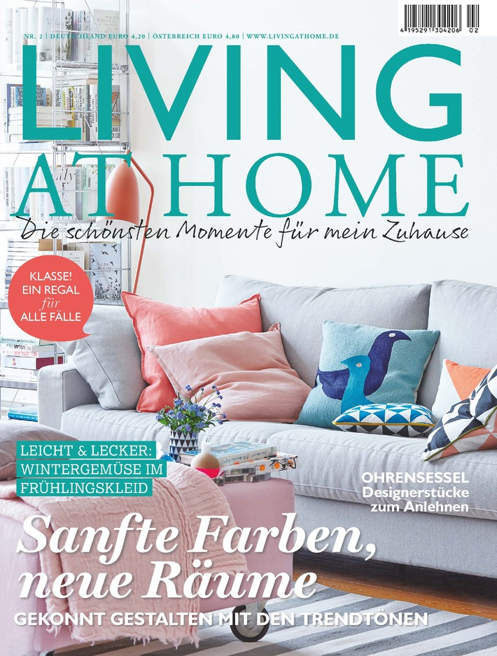 Cover LIVING AT HOME, 2/15, EVT 14.01.15. Weiterer Text