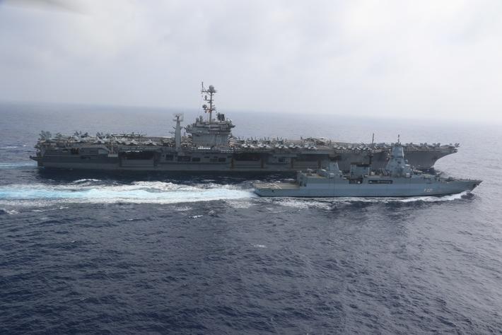 """Fregatte """"Hessen"""" und USS Harry S. Truman in See"""