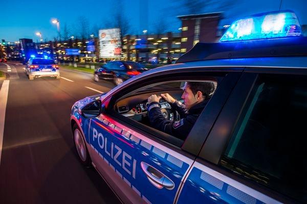 POL-REK: 171110-4: Zwei Verletzte nach Verkehrsunfall- Frechen
