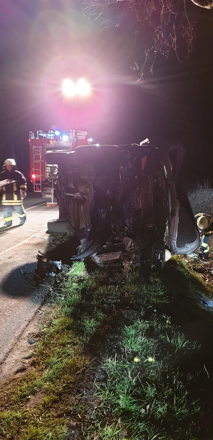 FFW Schiffdorf: PKW gerät in Seitengraben - K63 voll gesperrt