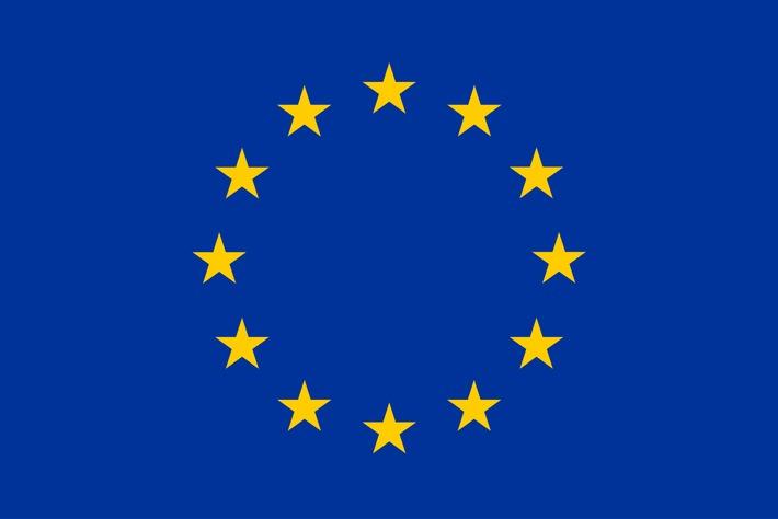 """Offizielle Flagge zur Verwendung in Kommunikation zu EU Projekten. Quelle: https://europa.eu/european-union/about-eu/symbols/flag_en / Weiterer Text über ots und www.presseportal.de/nr/135408 / Die Verwendung dieses Bildes ist für redaktionelle Zwecke honorarfrei. Veröffentlichung bitte unter Quellenangabe: """"obs/next media accelerator GmbH (nma)"""""""