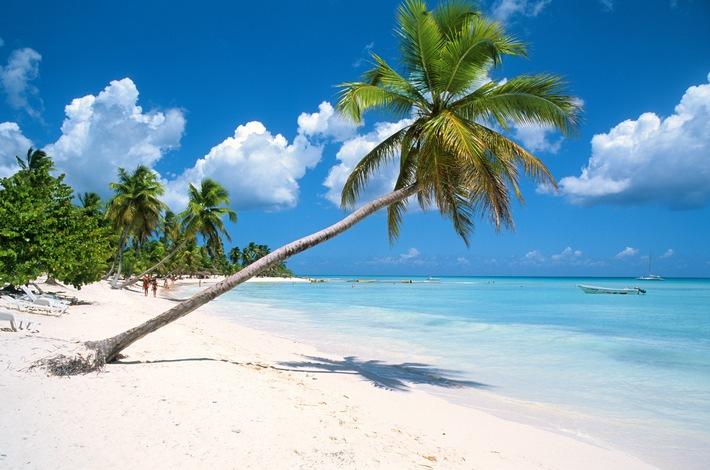 """Samaná an der Nordküste der Dominikanischen Republik steht bei der DER Touristik im Fokus. Weiterer Text über ots und www.presseportal.de/nr/111415 / Die Verwendung dieses Bildes ist für redaktionelle Zwecke honorarfrei. Veröffentlichung bitte unter Quellenangabe: """"obs/DER Touristik"""""""