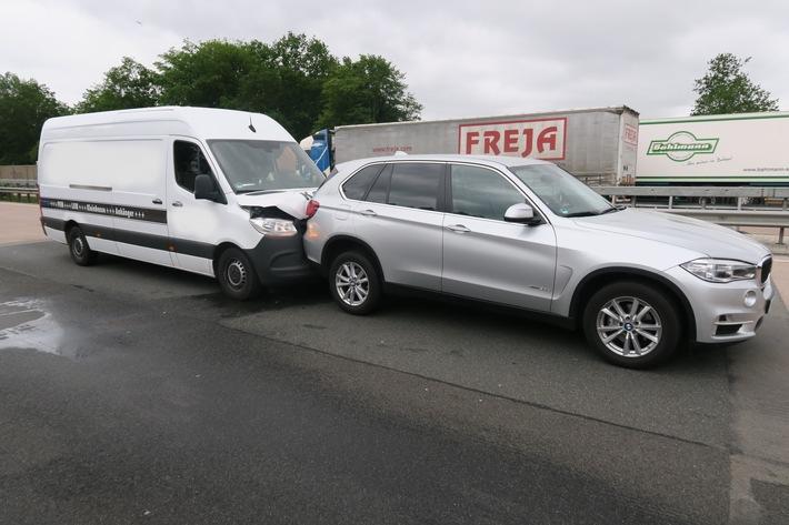 POL-DEL: Autobahnpolizei Ahlhorn: Auffahrunfälle auf der Autobahn 1 im Bereich der Gemeinde Stuhr