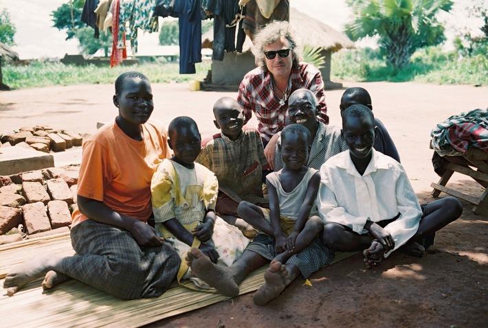 Der Musiker Wolfgang Niedecken setzt sich für Kindersoldaten ein