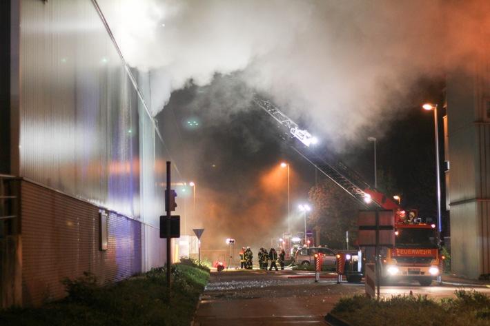 FW-BO: Erstes Update zum Brand der Lagerhalle in Stahlhausen