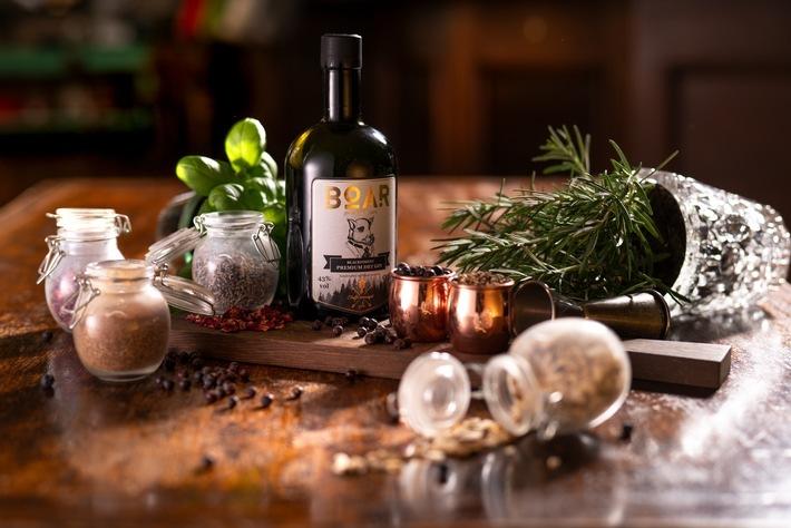 """BOAR Gin / Gin des Jahres 2019 / Weiterer Text über ots und www.presseportal.de/nr/134532 / Die Verwendung dieses Bildes ist für redaktionelle Zwecke honorarfrei. Veröffentlichung bitte unter Quellenangabe: """"obs/BOAR Distillery im Schwarzwald/BOAR Gin"""""""