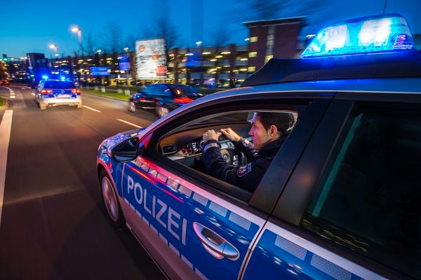 POL-REK: Handtasche entrissen - Bergheim