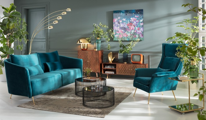 """Trend in Housing 2019: Designer revel now in glamor with gold, And, Edelsteintönen und Art Déco Ornamenten / Weiterer Text über ots und www.presseportal.de/nr/106366 / The use of this picture is free of charge for editorial purposes. Please quote the source: """"obs/KARE Design GmbH"""""""