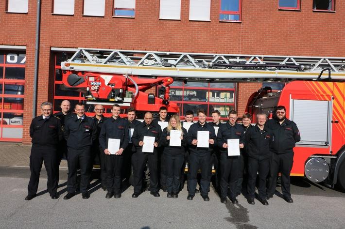 FW Mettmann: Zehn neue freiwillige Feuerwehrleute in der Einsatzabteilung der Feuerwehr Mettmann