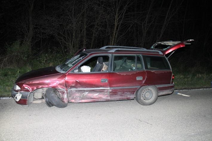 Beschädigter Pkw Opel Astra