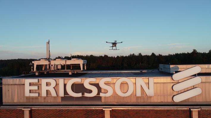 """Ericsson nutzt Rohde & Schwarz-Messtechnik für drohnenbasierte Messung von 5G Abdeckung und Performance. Weiterer Text über ots und www.presseportal.de/nr/13502 / Die Verwendung dieses Bildes ist für redaktionelle Zwecke honorarfrei. Veröffentlichung bitte unter Quellenangabe: """"obs/Ericsson GmbH/Rohde & Schwarz"""""""
