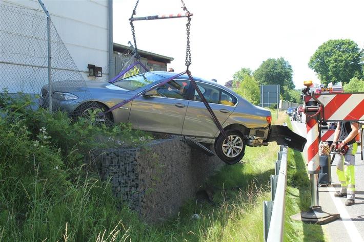 POL-PDMT: Verkehrsunfall mit zwei Verletzten auf der L 310