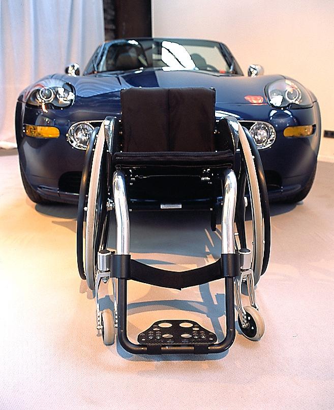 Rollstuhl misst sich mit roadster presseportal for Produktdesign nrw