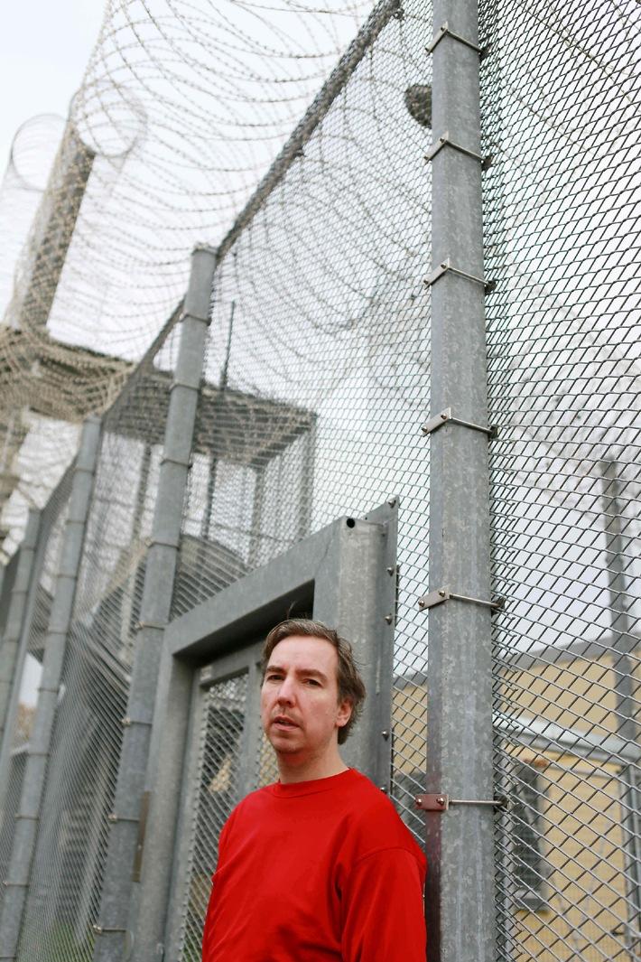 """Olli Schulz im Knast! Die erste Staffel """"Schulz in the Box"""" ab 3. Februar auf ProSieben"""