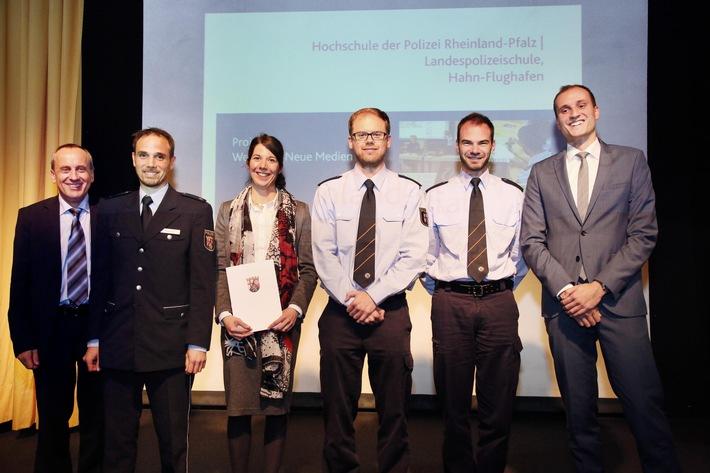Weiterbildungspreis 2016 : Minister Prof. Dr. Wolf, KR Niegisch, ORR'in Lellmann, PKA Morawe, PKA R., POK Pohl (v.l.n.r.)