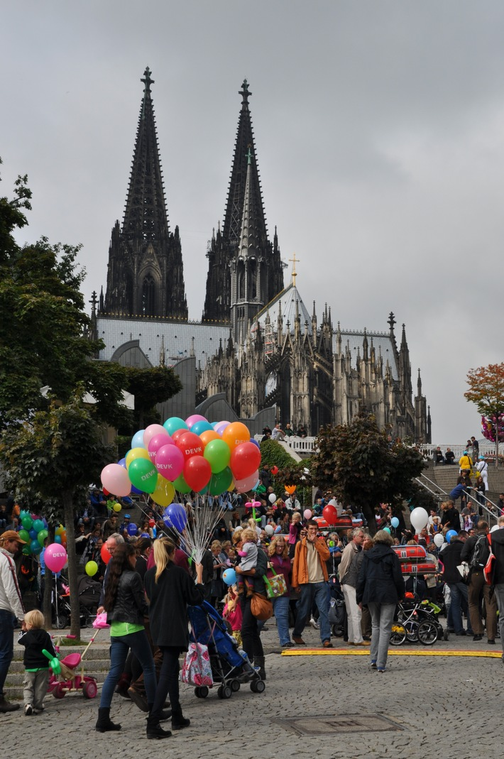 Weltkindertag: DEVK-Zelt ist eine Station auf der Mitmach-Rallye