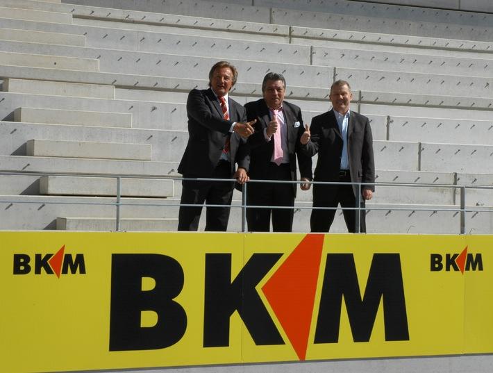 BKM Bausparkasse Mainz wird Premium-Bandenpartner in der Coface Arena (mit Bild)