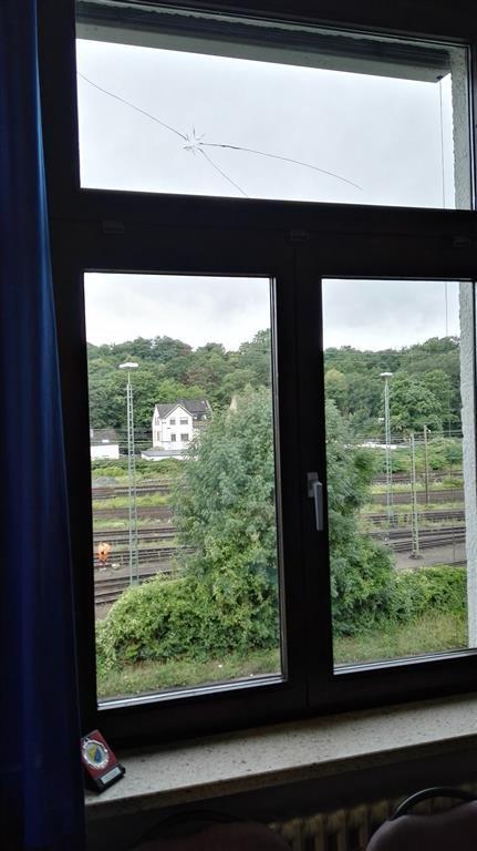 Beschossenes Fenster im 2. Obergeschoss