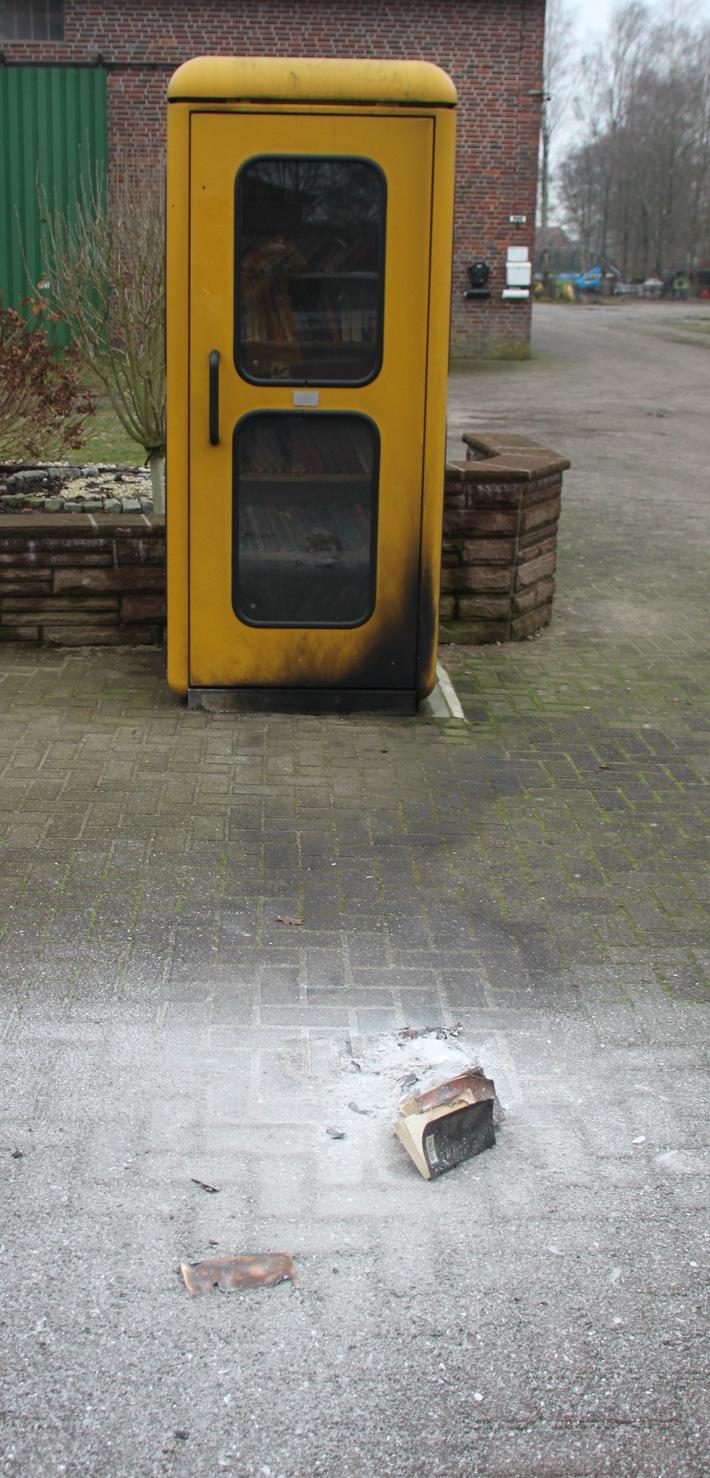 POL-ROW: ++ Vandalen zerstören kleine Leihbücherei - Polizei bittet um Hinweise ++ Unerlaubter Ausflug mit Vereinsfahrzeug endet im Straßengraben ++ Unfallflucht am frühen Morgen - Polizei sucht Zeugen ++ (FOTO)