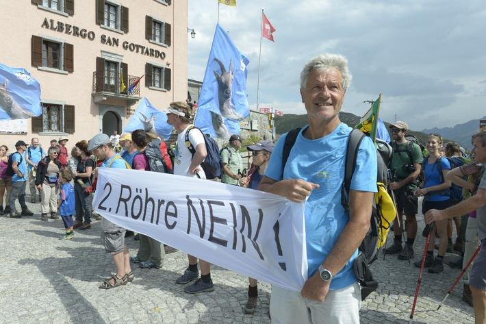 Feu de protestation sur le col du Gothard : NON au 2e tunnel routier