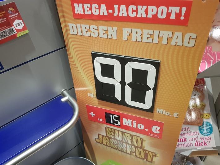 Der Eurojackpot steht auch kommende Woche bei 90 Millionen Euro. Weiterer Text über ots und www.presseportal.de/nr/107909 / ...