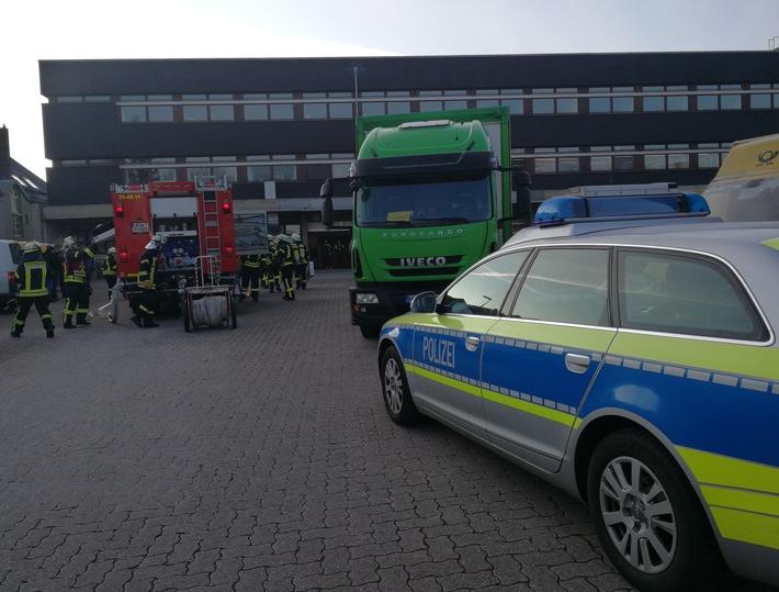 Polizei und Feuerwehr rücken an