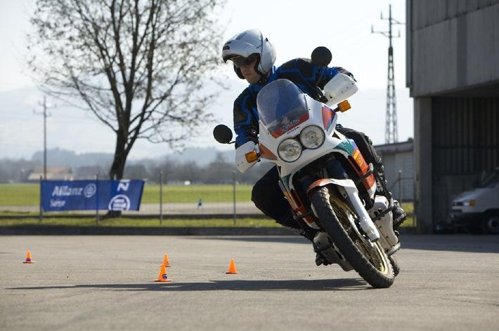 Sicher auf dem Motorrad: Allianz Suisse bietet wieder Fahrtrainings an