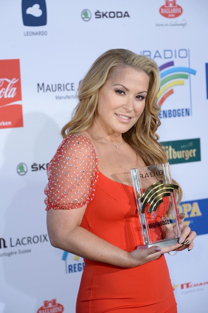SKODA fuhr die Stars zum Radio Regenbogen Award 2014