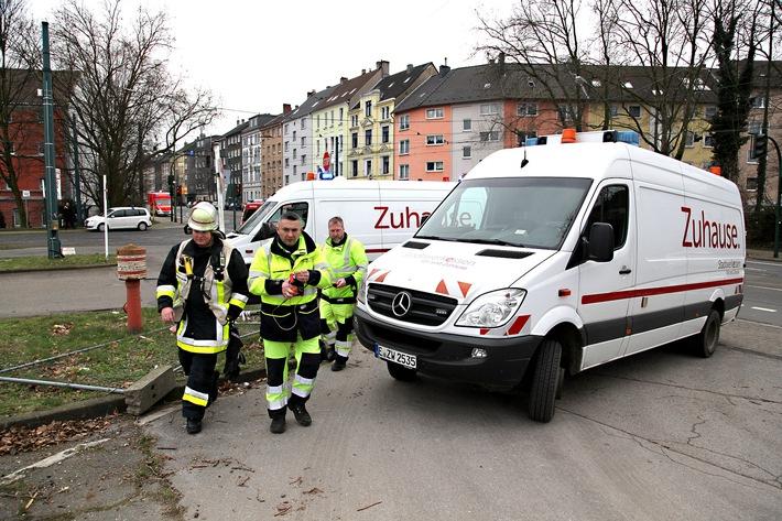 Entstörungsfahrzeuge der Stadtwerke Essen sind bei Gefahr im Verzug rasch vor Ort. Foto: Mike Filzen