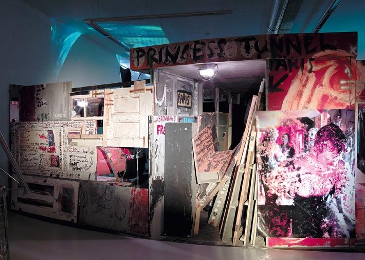 Collection on  Display  Christoph Schlingensief: Kaprow City  22.11.2014-08.02.2015 Vernissage: Freitag, 21.11. 18-21 Uhr (BILD)