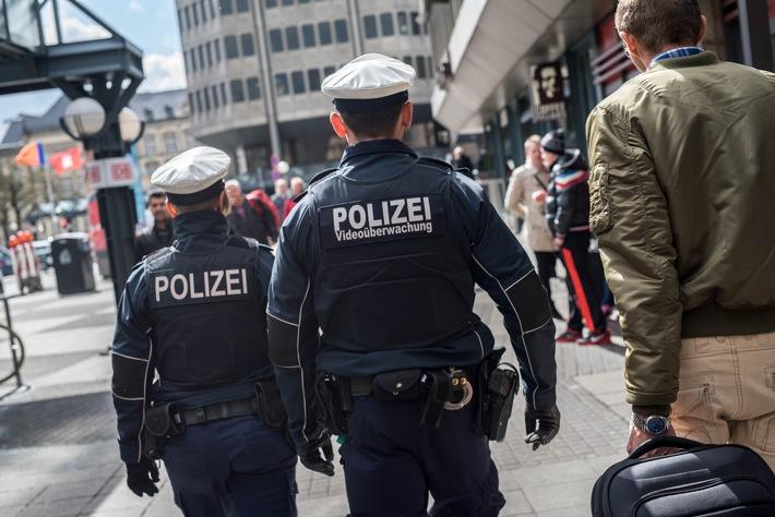 BPOL-HH: Per Haftbefehl gesuchter Mann am Hamburger Hauptbahnhof festgenommen-