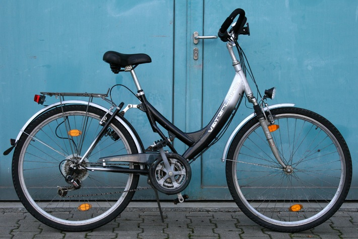POL-DA: Lampertheim: Damenrad gegen hochwertiges Pedelec ausgetauscht