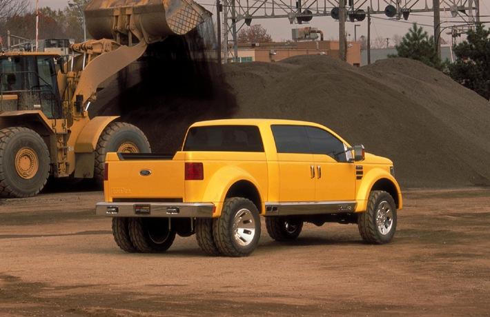 Ford weist mit dem Mighty F-350 Tonka Concept Car den Weg in die Pickup-Zukunft / Innovativer Hydraulikeinsatz senkt Energieverbrauch grosser Nutzfahrzeuge