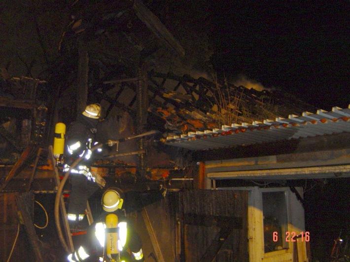 FW-E: Bootshaus wurde Raub der Flammen