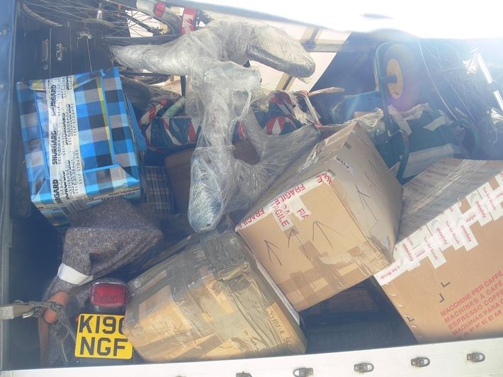 POL-KS: Landkreis Kassel / Autobahn 44: Weiterfahrt nach Polen gestoppt:  Kleintransporter hatte 2,2 Tonnen zu viel geladen