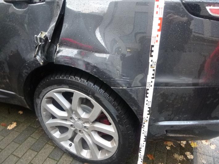 Unfallspuren am Range Rover
