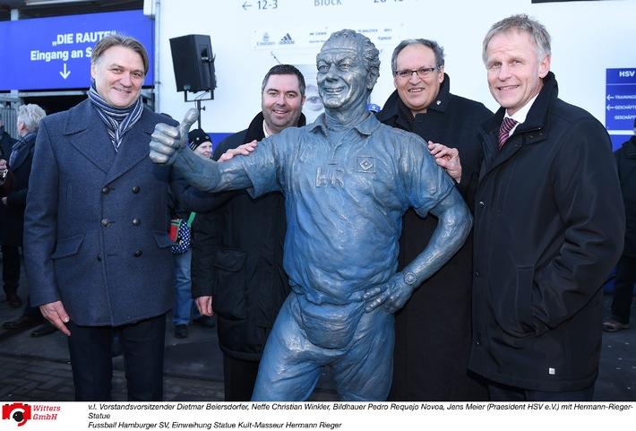HSV-Presseservice: Hermann-Rieger-Statue eingeweiht