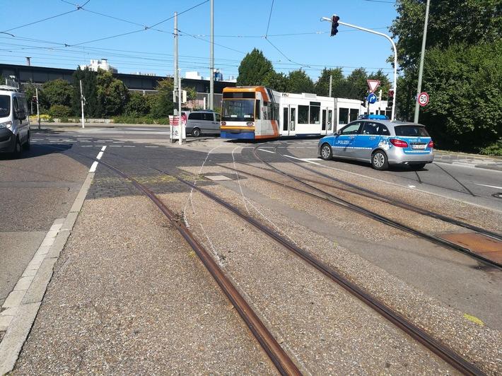 Straßenbahn entgleist-nur Sachschaden