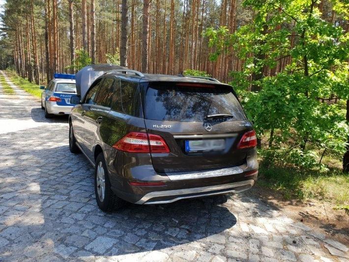 BPOLD-B: Gemeinsame Streife stellt gestohlenen Mercedes sicher