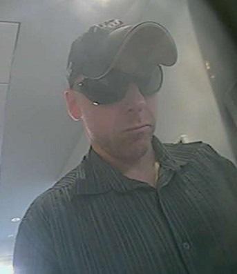 Wer kennt diesen Mann? Hinweise bitte an die Polizei Duisburg (KK 32)unter 0203 280-0.