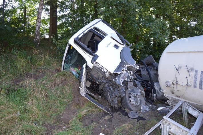 POL-VER: ++ Schwerer Lkw-Unfall auf der BAB 27-Abschlussmeldung und Fotos ++