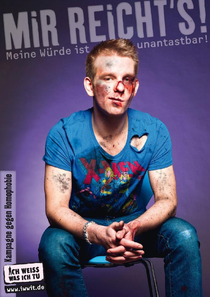 """""""MIR REICHT'S! - Meine Würde ist unantastbar!"""" Aktionskampagne der Deutschen AIDS-Hilfe zum Internationalen Tag gegen Homophobie am 17.5.2011. Eines von 10 Motiven. Im Bild: Alexander Freier, 24 Jahre, Berlin. Abdruck honorarfrei bei Quellenangabe, Beleg erbeten an Deutsche AIDS-Hilfe, Holger Wicht, Wilhelmstraße 138, 10963 Berlin, holger.wicht@dah.aidshilfe.de. Die Verwendung dieses Bildes ist für redaktionelle Zwecke honorarfrei. Veröffentlichung bitte unter Quellenangabe: """"obs/Deutsche AIDS-Hilfe e.V."""""""