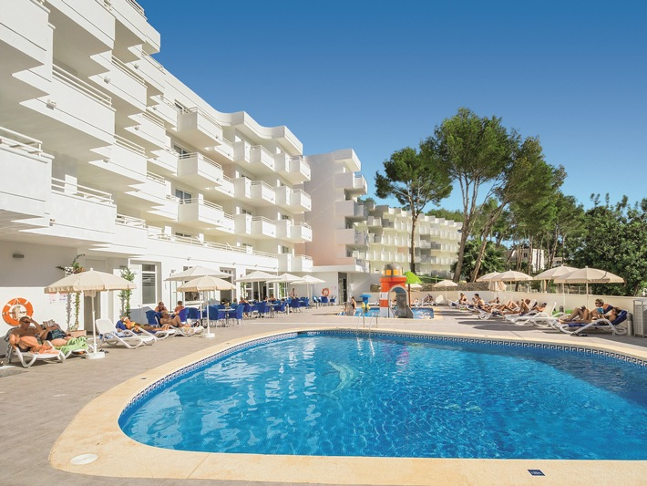 Alltours Gruppe Ubernimmt Hotel Paguera Park 4 5 Und Baut