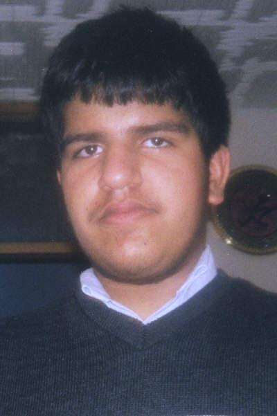 zu meldung nr. 874: 16jähriger junge vermisst. bild von salman ahmed nawaz!