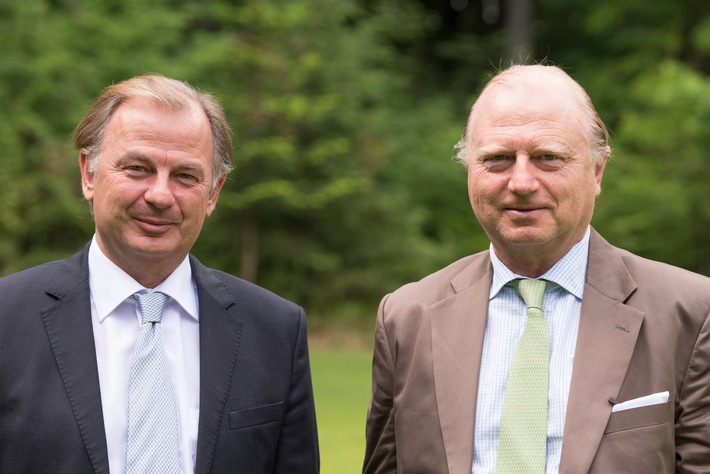 "Christoph (l.) and Martin Schoeller, Managing Partners Schoeller Group and Co-Chairmen Schoeller Allibert / Please quote the source: ""obs/Schoeller Group GmbH/FROMMEL.de"""