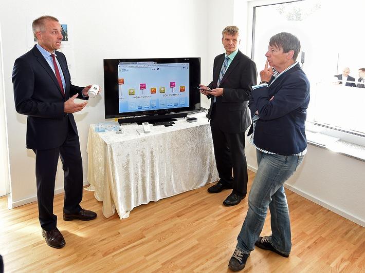 RWE stattet Zukunftswohnung von Vivawest in Bottrop aus - Mehrfamilienhaus wird saniert - Intelligente Haussteuerung kommt von RWE
