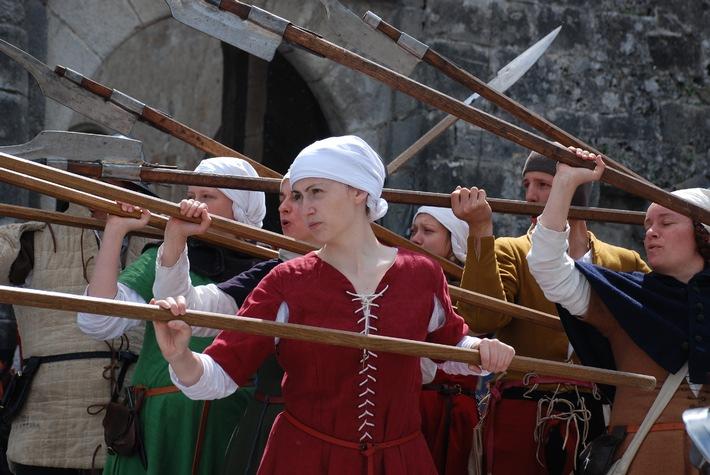 Mittelalterliches Heerlager auf der Lenzburg / Noch neun Tage bis zum Startschuss